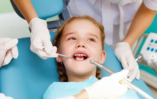 Лечение-зубов-у---детей